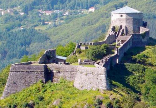 fortezza delle verrucole in Garfagnana