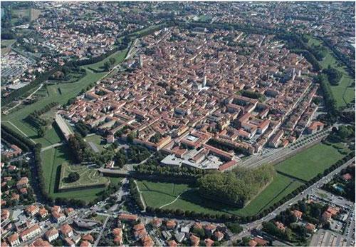 Veduta di Lucca dall'alto